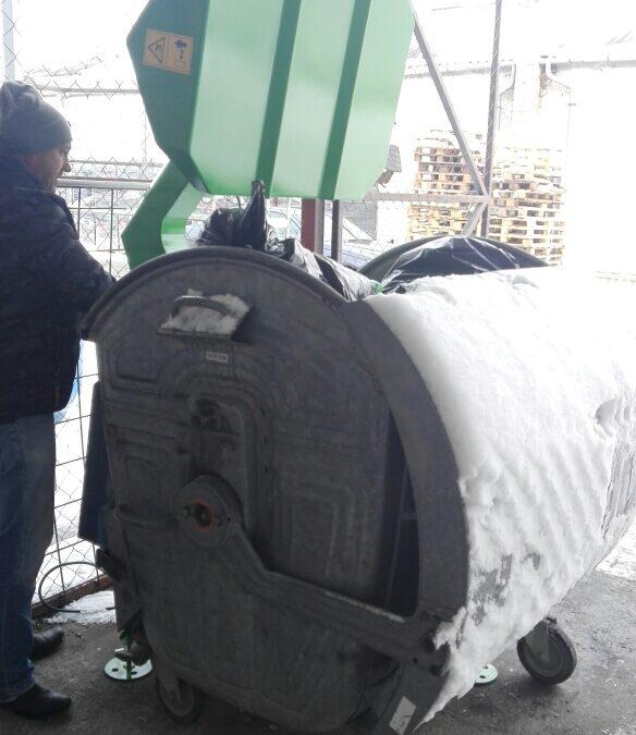 Mínusz 15 fok Celsius? Működni fog ebben a hidegben a hulladéktömörítő? Az LSM gépek igen! Ízelítő a havas munkáinkból