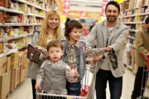 Hulladékok bálázása, kellemes mellékhatások: Rendezett bolt, visszatérő vásárlók