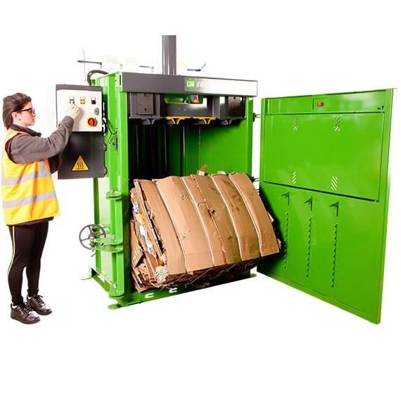 Bálázás a pénz termelő hulladékkezelő gép